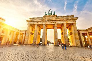 Berlin, Kopenhagen in skok na Švedsko