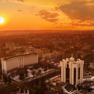 Moldavija - dežela vina, konjaka in sončnic
